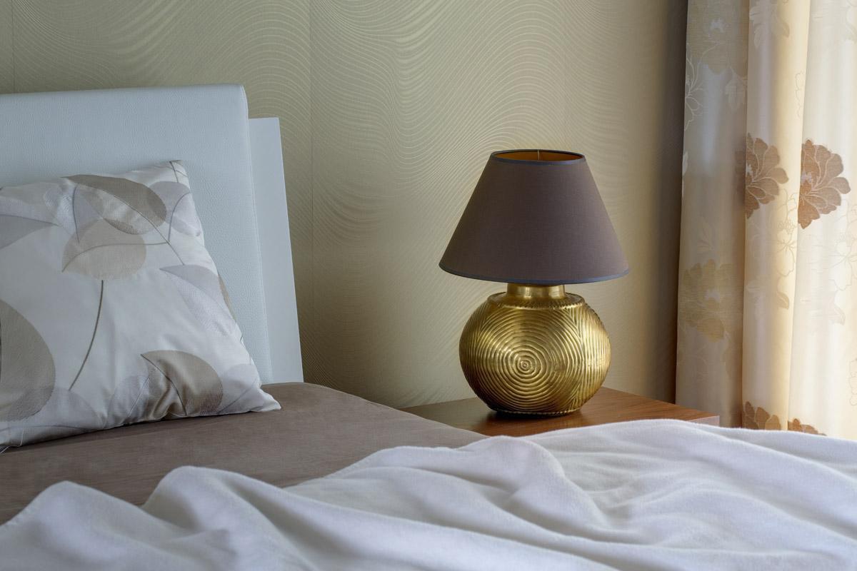 Mosazná lampa