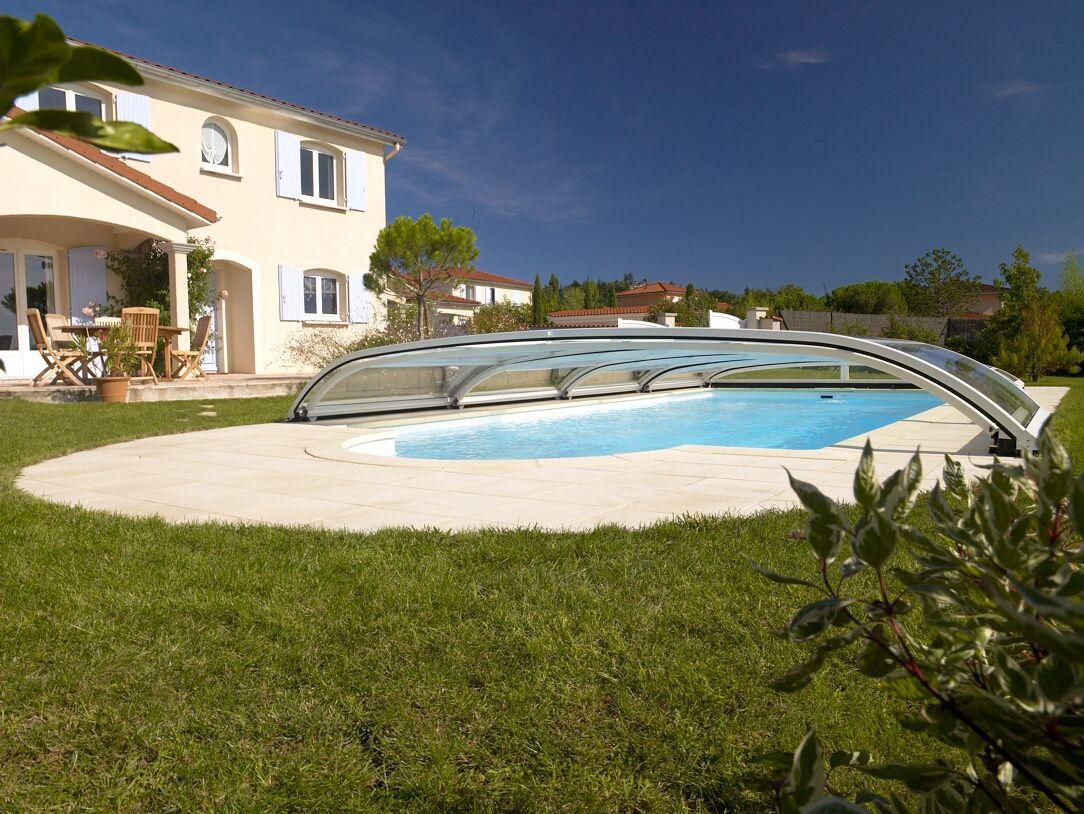 Krytý zahradní bazén