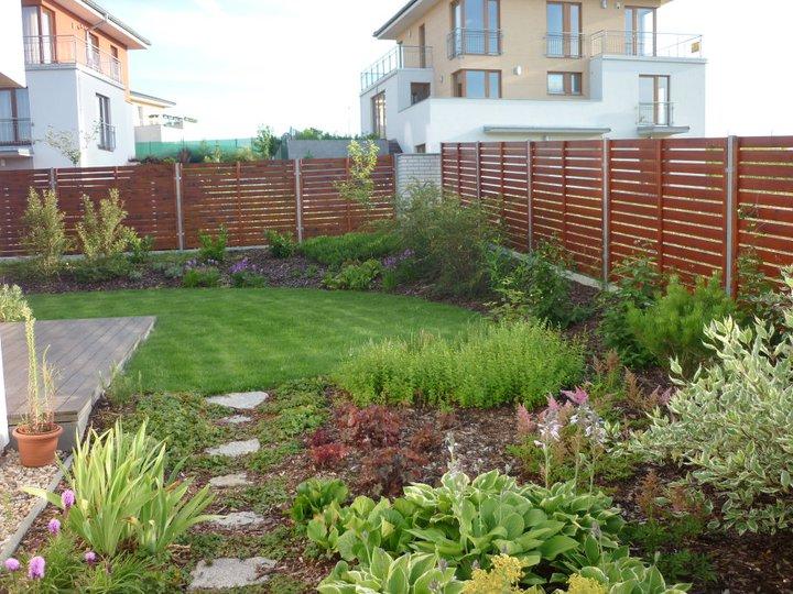 Zelené zahradní zákoutí