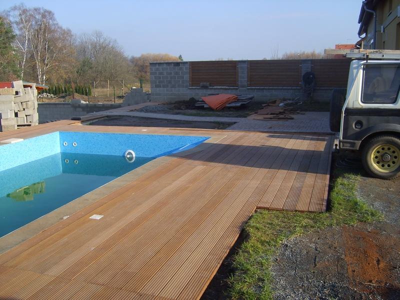 Výstavba bazénu