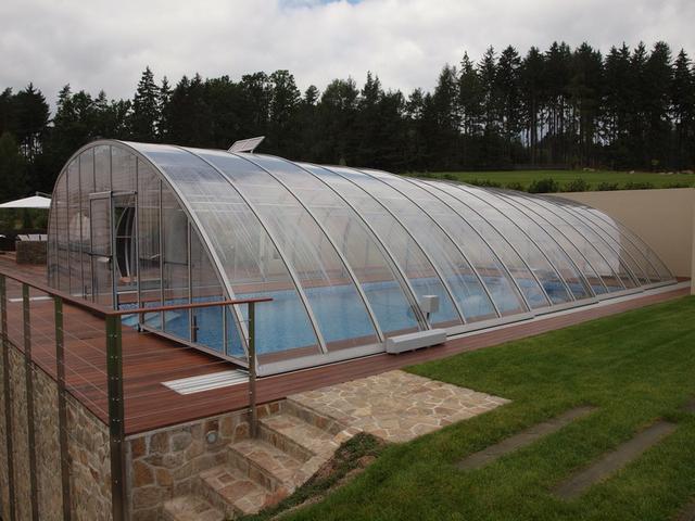 Obdélníkový bazén zakrytý