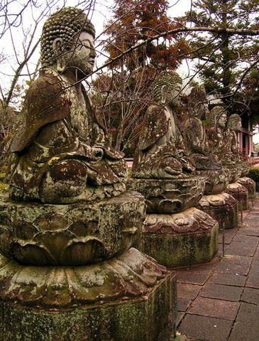 Kamenní buddhové