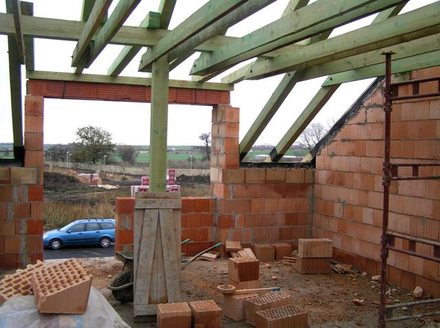 Stavba domu svépomocí střešní krovy