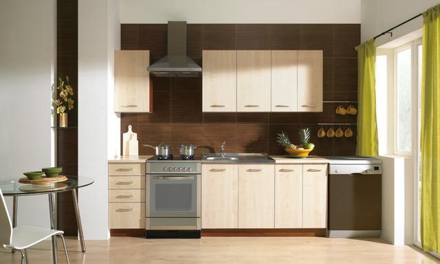 Kuchyňská linka světlé dřevo