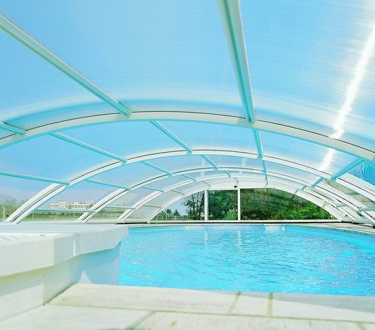 Užitečné zastřešení bazénu