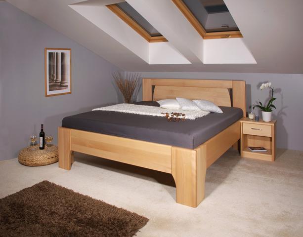 Vysoká postel z masivu