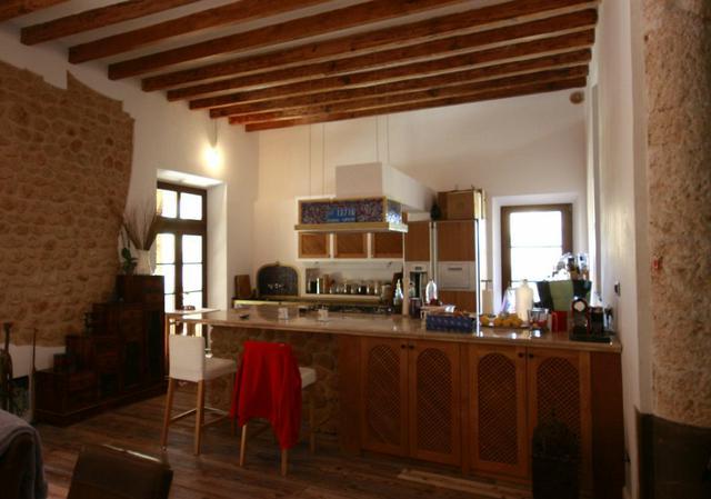Vzdušná světlá kuchyně