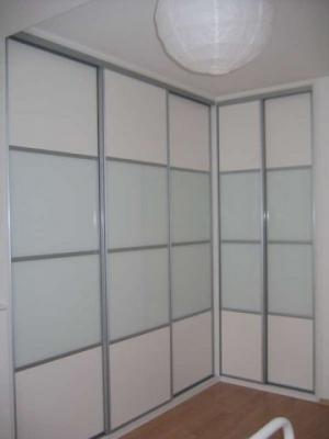 Moderní styl vestavěné skříně