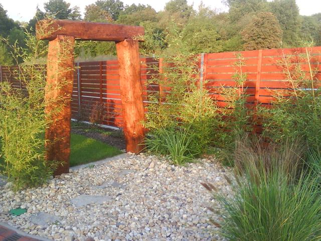 Dřevěná brána do zahrady