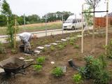 Zakládání zahradní cestičky