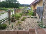 Kačírek v zahradě